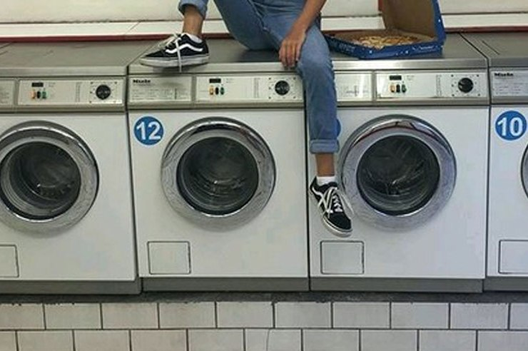 Ever wonder how often you should wash your sheets in college? Sometimes you realize it's been a few... weeks? Yeah, you should definitely wash those.