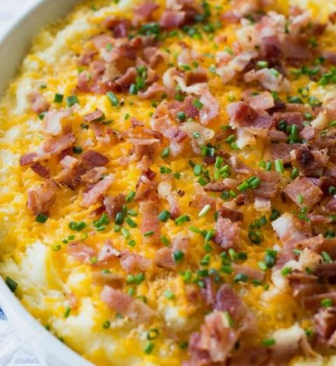 This casserole recipe is a delicious Friendsgiving recipe!