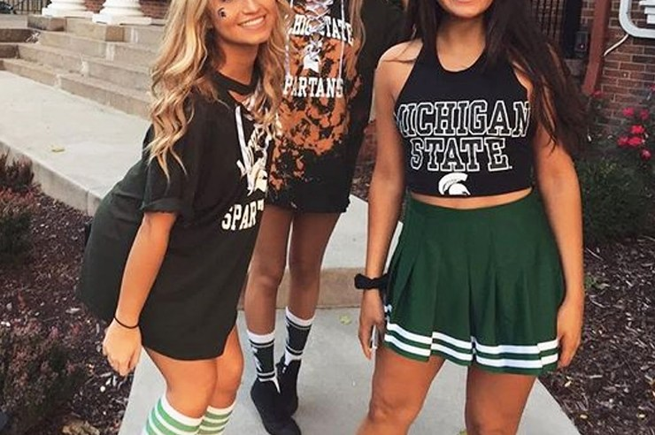 Here are the tip five reasons I chose to go to Michigan State University. MSU is one of the top universities in the countries and is beautiful and fun!