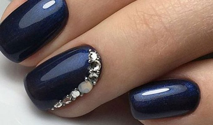 If you're still in need of your something blue, check out these 20 stunning blue wedding nails you will totally want to copy.