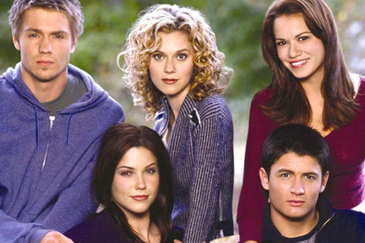 """""""People always leave, but sometimes they come back."""" - Peyton Sawyer,One Tree Hill"""