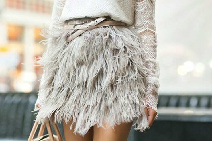 The holiday season is quickly approaching and that means finding outfits for all your events. Here are 15 gorgeous feather outfits for any holiday party!