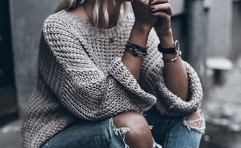Sweaters are the staple for the fall and winter seasons. Here are the 10 types of sweaters for women that should already be in your closet!