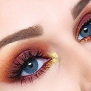 If you are looking for a little inspiration, check out these 10 gorgeous Thanksgiving eye make up looks that you will totally want to copy.