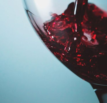 When consumed in moderation, red wine can have some absolutely amazing health benefits. Check out these 10 surprising health benefits of red wine.