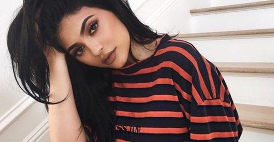 A Kylie Jenner Makeup look is tough to achieve. But after Kylie Cosmetics, we all want a beauty routine like hers. Here's some Kylie looks to recreate!