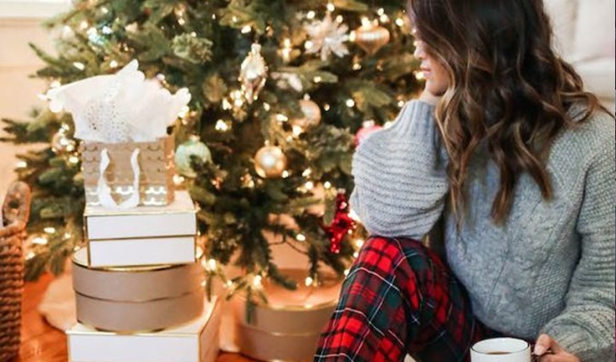 Here's the best websites to get Christmas turtlenecks for the holidays! Whether it's a ugly or cute turtleneck, these womens and mens turtlenecks are great!