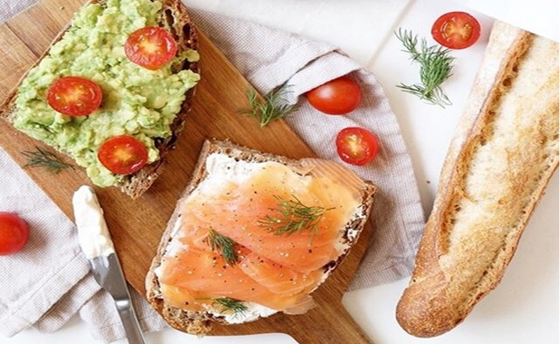These foods to cut out for weight loss are foods you think are healthy. These weight loss tips will help you lose weight. Avoid these foods for weight loss.