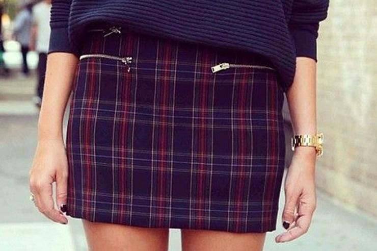 These plaid skirt outfits make for one of the cutest winter outfit ideas for women! The plaid mini skirt colors range from red, black, white and more!