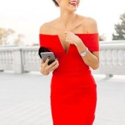 The holiday seasons means Christmas, Hanukkah, and New Years celebrations. But what better way to celebrate then with a red holiday dress? Whether it's a cocktail, sequin, or a party dress - red is a great color for everything!