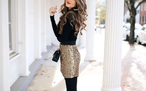 With the holidays comes holiday parties, and these office holiday party outfits are both appropriate and fashionable enough to be worn around your boss and coworkers. Check out these looks if you're stuck on what to wear!