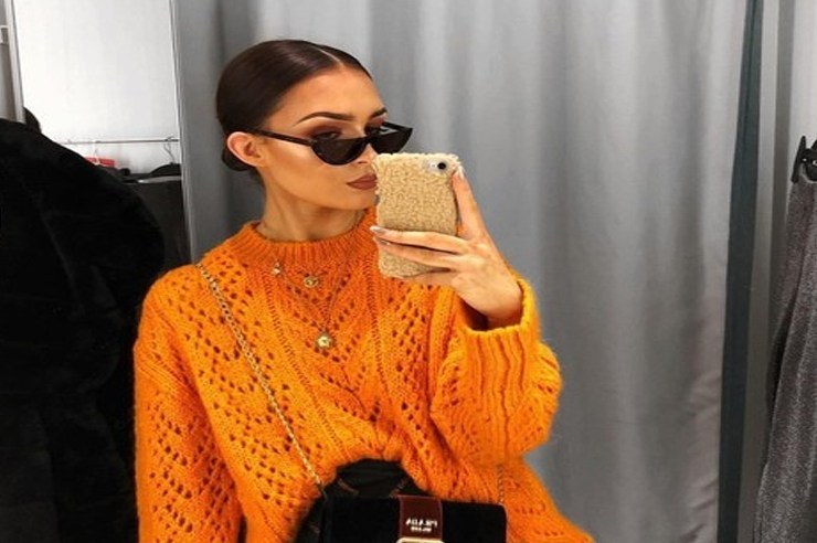 There are things you should never post on social media; remember when Kim Kardashian got robbed in Paris after showing off her huge 20 carat ring on social media that Kanye West gave her? Here are the things you should never post on social media about your relationship.