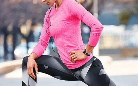 If you're looking for some cute winter workout clothes to show off for the colder months, then these brands have the best exercise gear for that! This sports clothing is great for runners, or anyone that bears the outdoors!