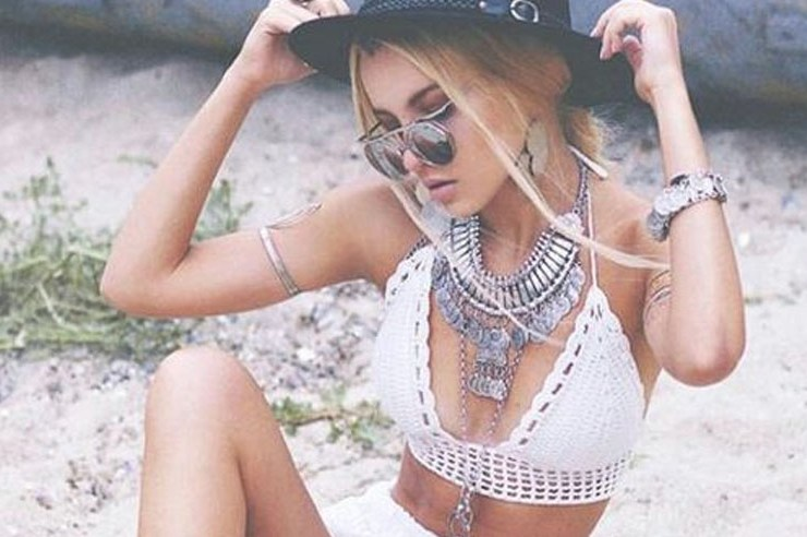 Boho statement necklaces should be one of your top items to get this summer. They are trendy and complete any outfit. Boho necklaces flatter everyone and will complete any outfit that you'll wear for your next music festival. Bohemian vibes, for life.