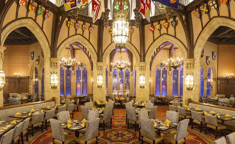 If you're looking for delicious places to dine and grab food at Walt Disney World, check out these 5 best restaurants at Disney World with fun themes and awesome atmospheres for the whole family!