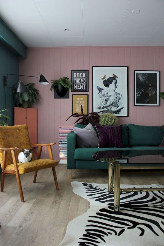 Try one of the best cute living room ideas with this 70's look.