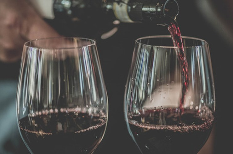 If you're looking for inexpensive or cheap wine because you don't feel like dropping $50 on a bottle, we're here to help. Here are some white and red wines so good that your date or whoever you're trying to impress will have no idea you got them for less than $10. What a deal!
