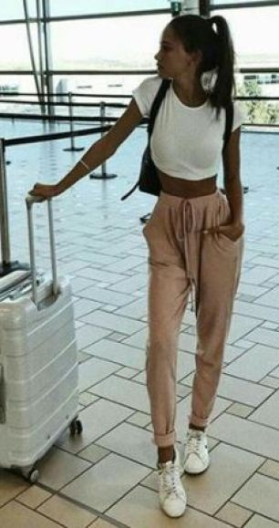 Take a look at these cute airport outfits that are both comfy and chic!