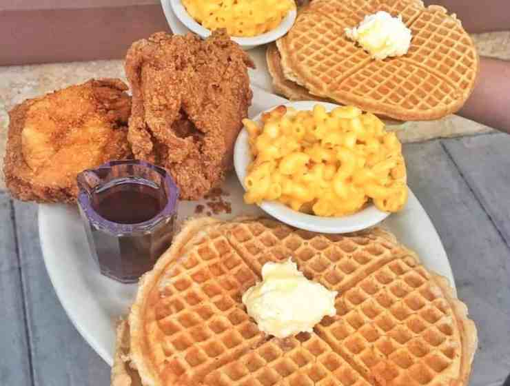 Fried chicken really needs no introduction. Whether you like your fried chicken spicy, extra crispy, with waffles, or all of the above, there's a restaurant on this list for you. Here are the 10 best restaurants to get fried chicken in Houston.