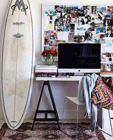 Check out this stylish beach themed dorm room decor that will give your space a relaxed feel!