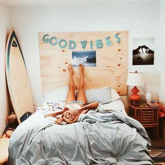 The beach themed dorm room ideas that give major cali vibes - Beach themed room decor ...