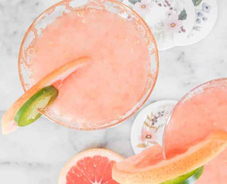 8 Fruity Cocktails That Are Perfect For Summer