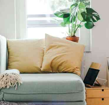 If you're wondering how to decorate your apartment on a budget, these apartment decor hacks and tips will help you. Here are some ways to renovate your apartment on a budget.