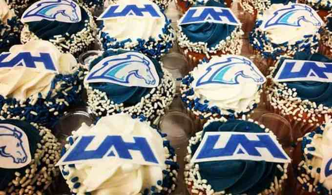 Here are twenty obvious signs that you go to the University of Alabama Huntsville! Whether its hockey or WOW here's how to know you're a UAH student!
