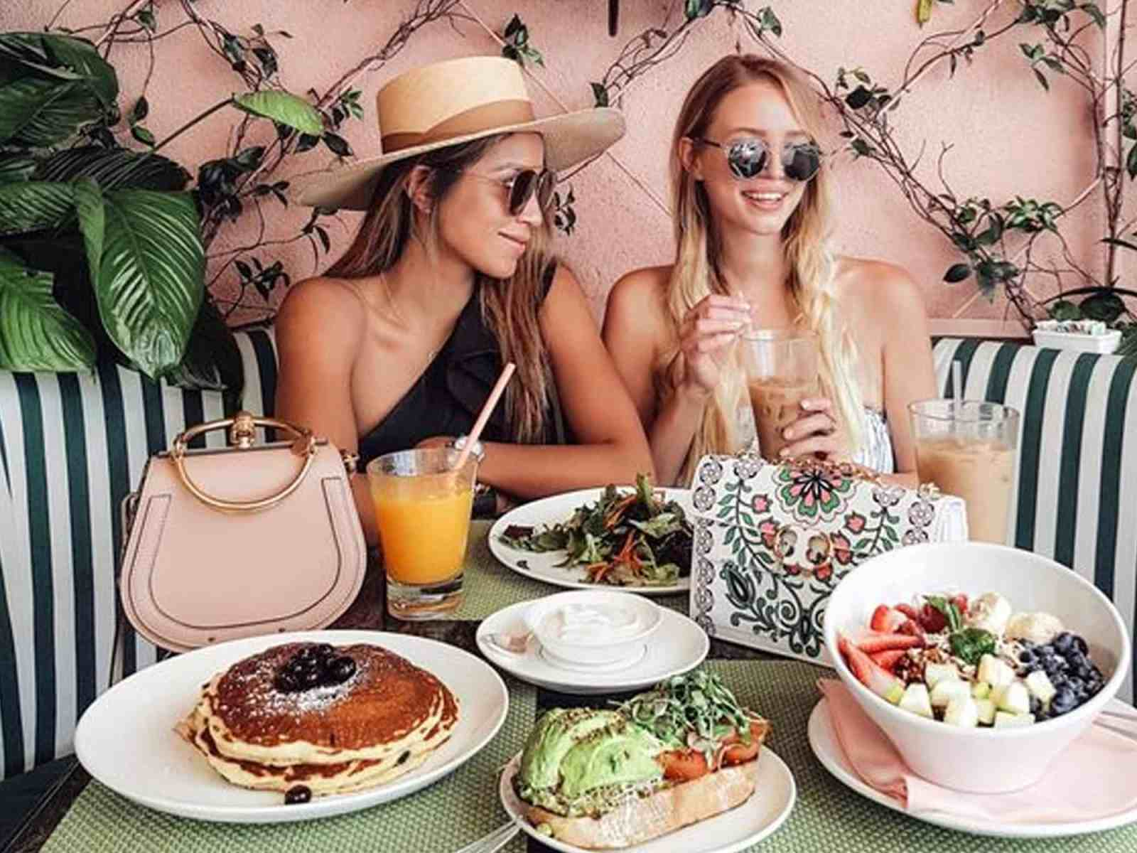 Looking for the best places for brunch in Miami? Here our our top picks. Grab some friends, and enjoy some drinks and breakfast food; is there anything better?!