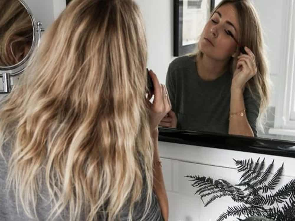These hair and makeup tips will help you land that dream job! Interviews can be stressful so check out these tips to make sure you look ready for the job!