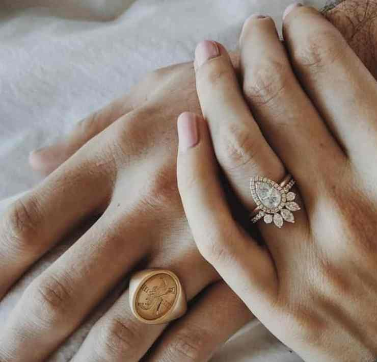 Take a look at these stunning rose gold engagement rings that leave a statement. Whichever rose gold band you may prefer, we have one for you.