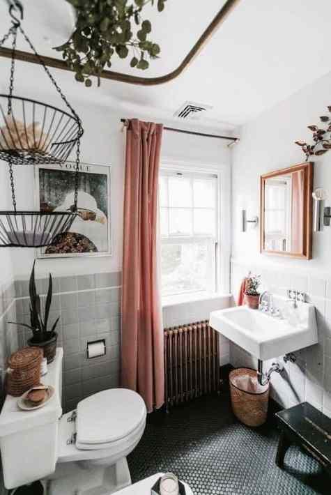 10 Small Bathroom Decorating Ideas That Are Major Goals ... on Small Apartment Bathroom Ideas  id=38753