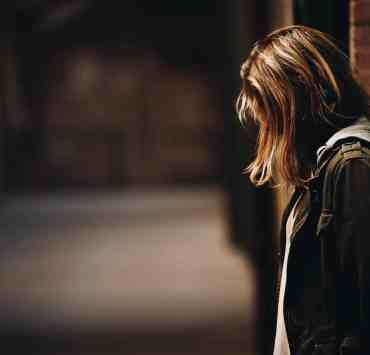 13 Reasons Why is injecting mental illness in mainstream media. But to what disturbing extent? Here's why 13 Reasons Why is too dark to be aired.