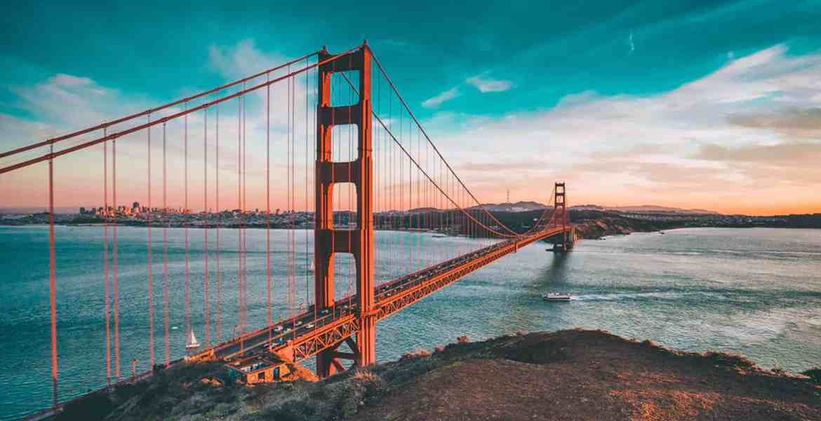 Experience the California dream through its best-kept secrets and its most famous attractions. See the state's natural beauty through these must-see places!