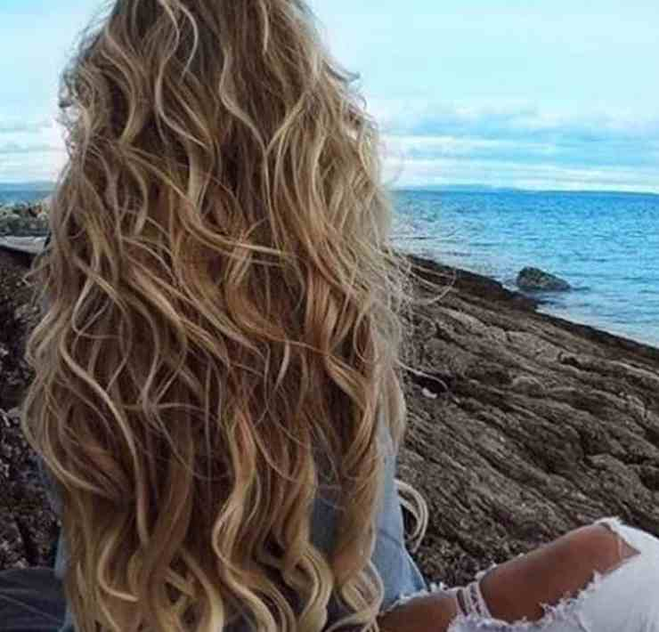 These are the common myths about hair that everyone has heard but may not know the truth behind them! Some of them are very surprising!