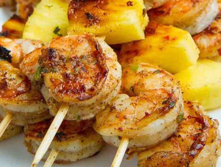 If you're looking for a great treat for you summer bbq, check out this list of delicious grilled skewer combinations everyone will enjoy!