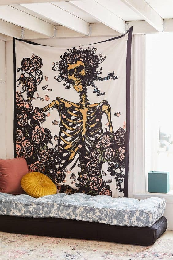 Check out these Halloween decoration themes for your living space!