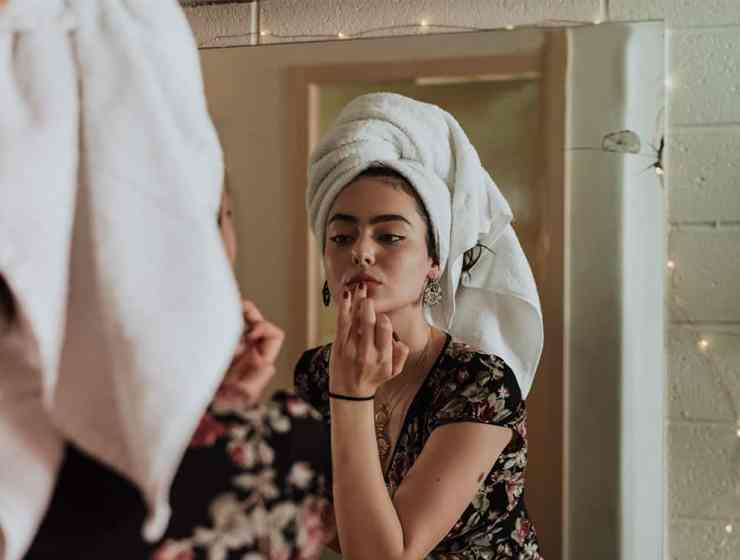 Is your acne related to your gut? It's more probable than you think! Water and food affect everything in your life. Learn why and save your skin!