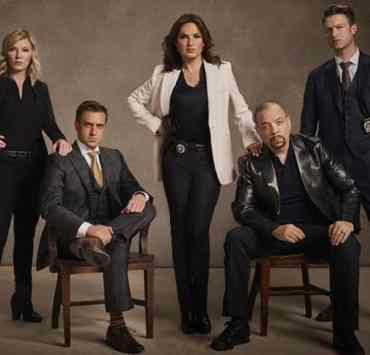If you are a huge Law and Order: SVU fan, then you will be totally shocked when you read this list of celebs who made guest appearances on the show!