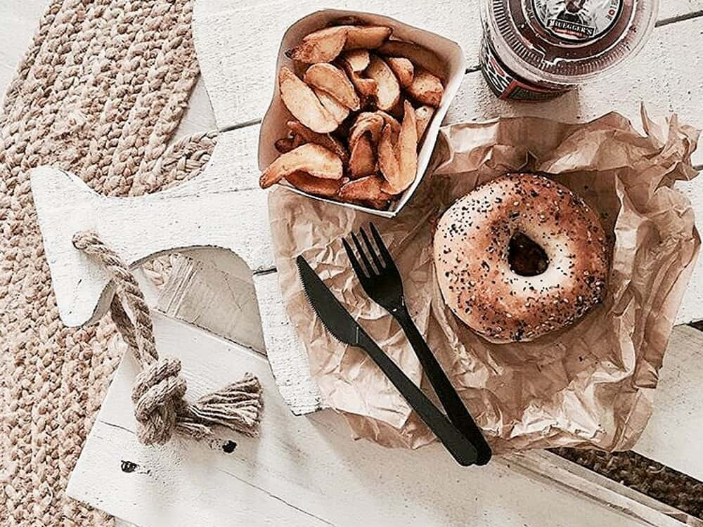 Take a look at these reasons why everyone from Long Island is obsessed with bagels! New York knows what they are doing with their bagels!