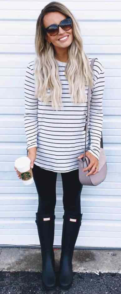 Check out these cute black leggings to copy!