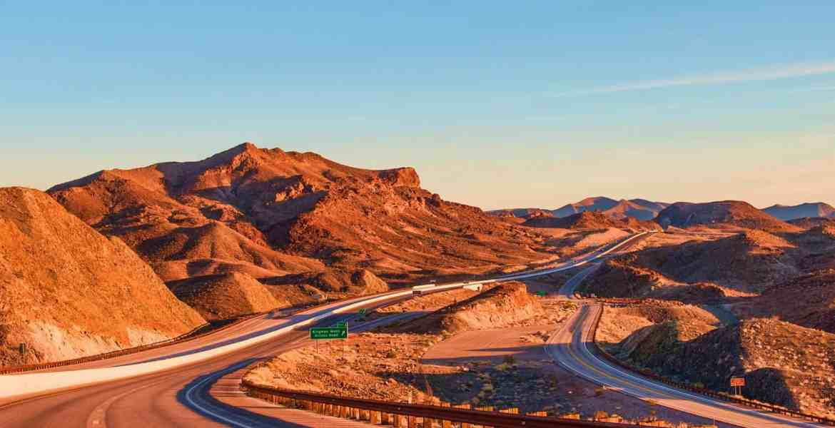 There's more things to do in Nevada than visiting the casinos in Las Vegas. We've put together a list of some of the best things to do in Nevada!
