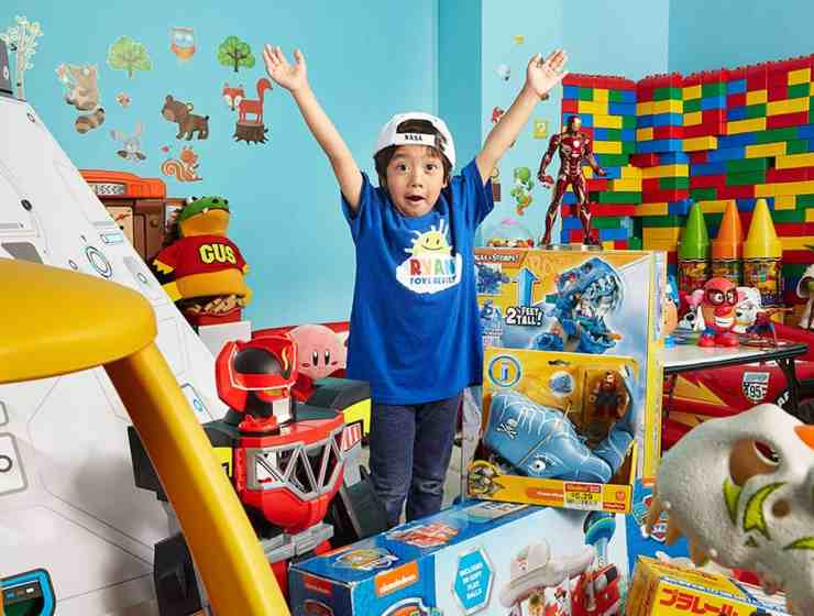 YouTube toy reviews are bringing in way more cash than you might expect. That being said, there's 7-year-olds out there making millions like it's nothing.