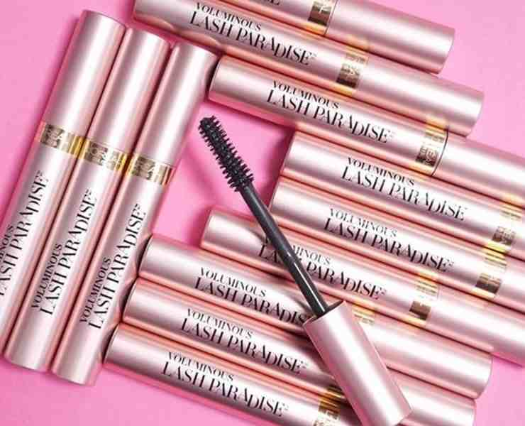 Lost in the sea of mascaras in the makeup aisle? Trying to find the best mascara for long, luscious lashes? Look no further! Try these mascaras right now!