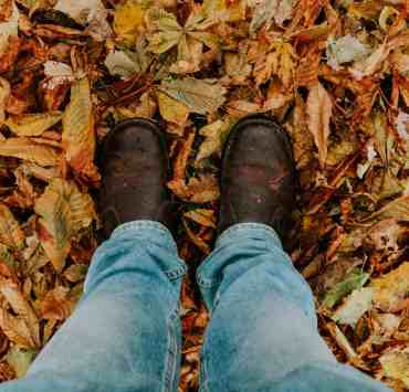 Tis' the season! It's time to break out your fall boots! But if you're unsure on how to go about wearing them, then here's some tips for you!
