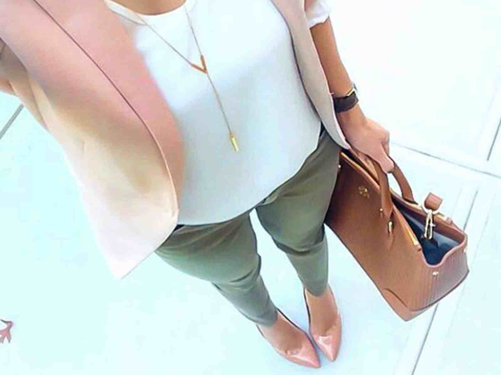 If you are preparing for your first internship but not sure the company's dress code, check out these business casual outfits you can't go wrong with!