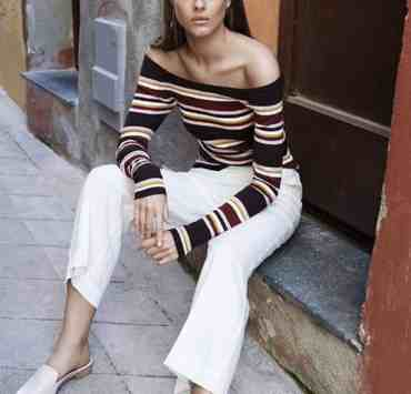 Fall fashion 2018 is no joke, and these looks for fall range froom boots, dresses, sweaters, hats, and more. Which fall outfit trend will you be rocking?