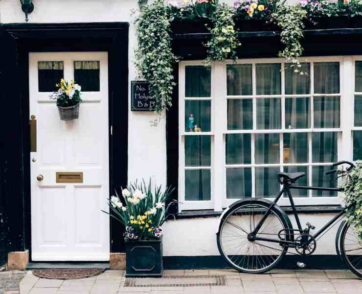 Front door decor is a wonderful addition to making your home look more open and welcoming. Here is some of our favorites that you need!