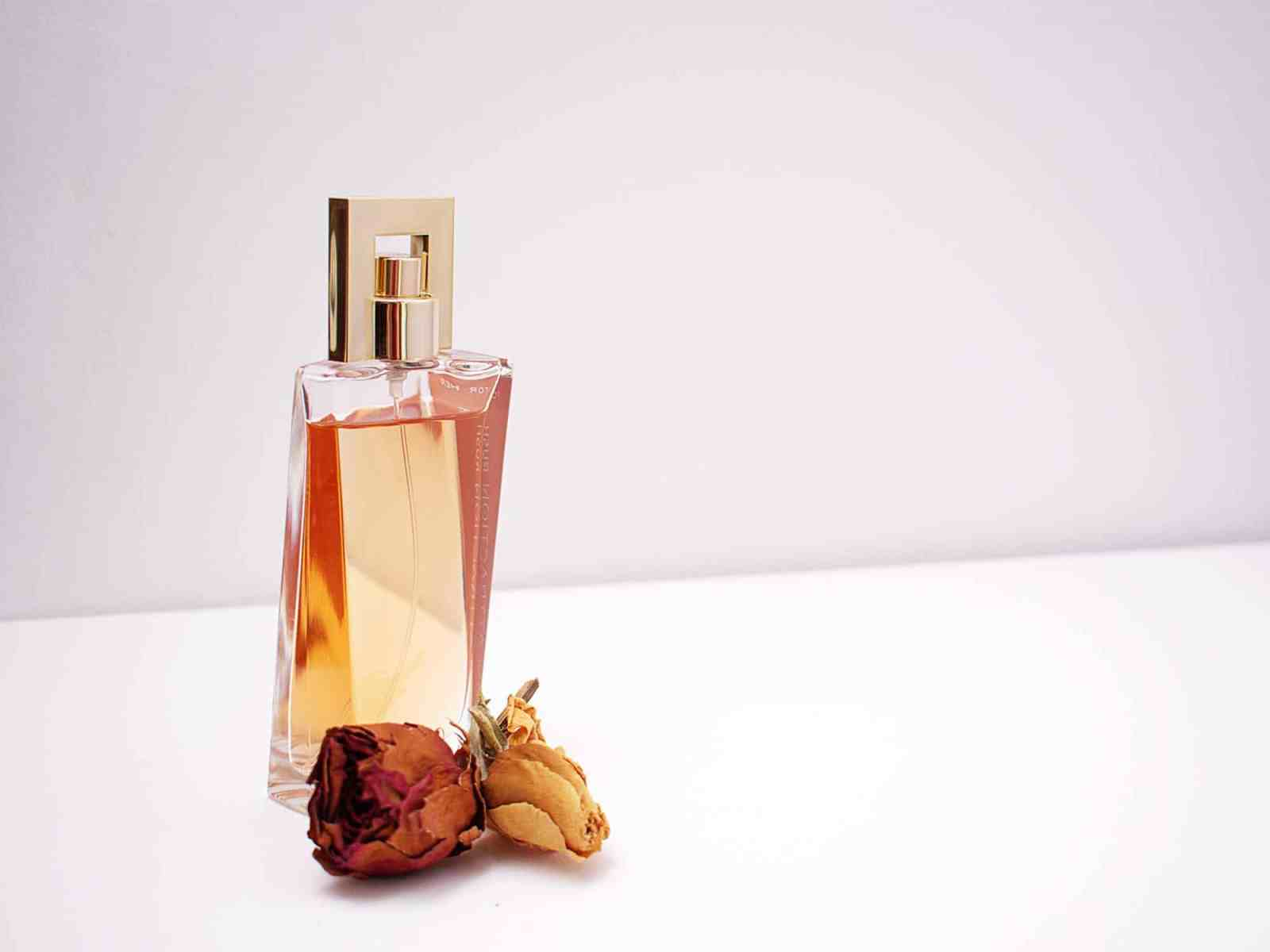 With autumn right around the corner you need to add these fall perfumes to your collection this season! We've listed some of the best!