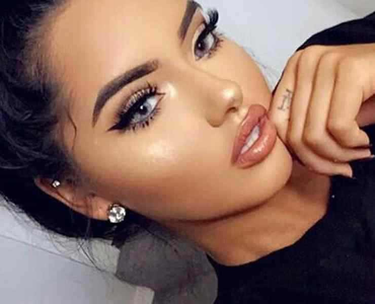 Semi-permanent makeup is here and we want to know what your thoughts on it is! Do we think this new trend will stick around?